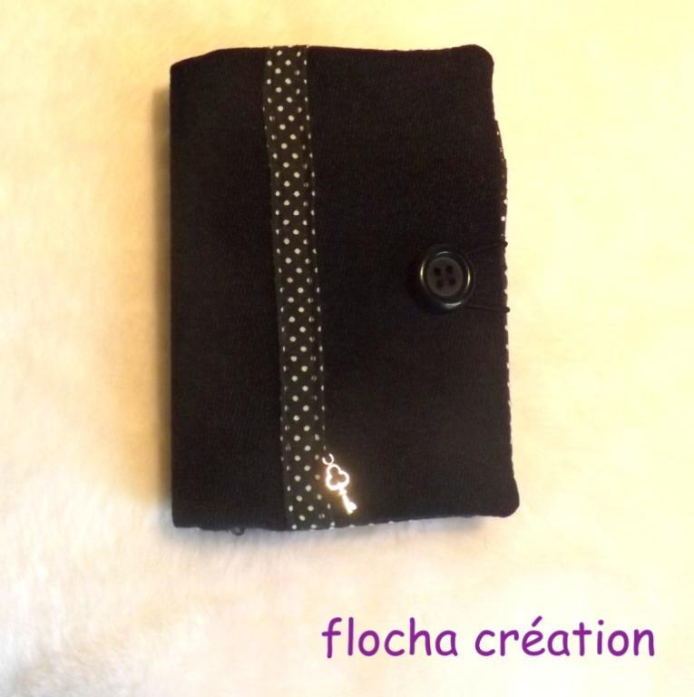 """Porte cartes, mini portefeuille """"Chichi"""" noir à petits pois"""