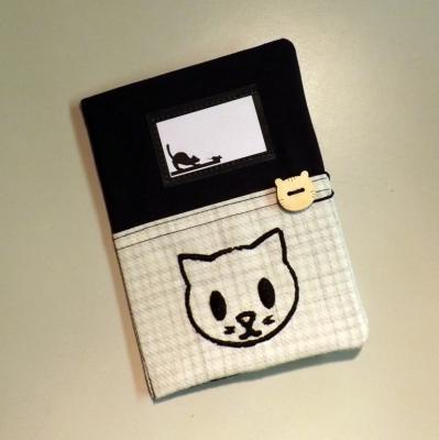 """Housse de carnet de santé pour chat """"Nono"""" noir et tête de chat"""