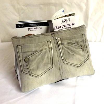 """Coussin de lecture porte livre """" Tigly """" jeans gris et rayures"""