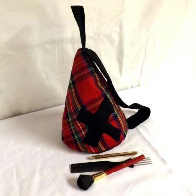 """Trousse de toilette, vanity """"Tipy"""" écossais rouge et croix"""