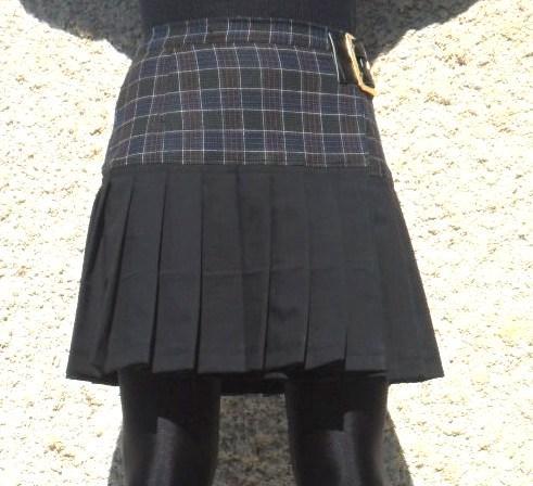 """Jupe kilt """"Flokilt"""" à carreaux marrons et bleus, et, noir"""
