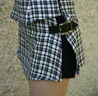 """Short jupe """"sixquo"""" écossais blanc et noir et noir"""