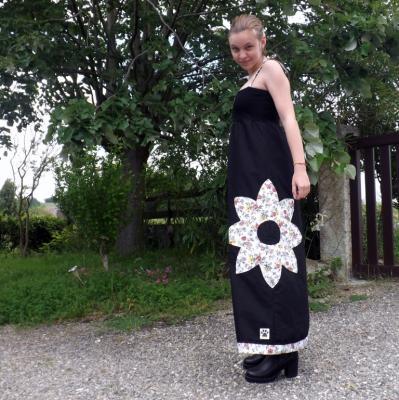 """Robe longue à bustier """"Soléa"""" noire et fleurs"""