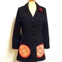 Manteau customisé noir à fleurs