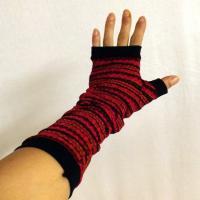 Mitaines longues tricot rayé rouge et noires