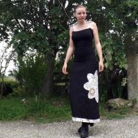 """Robe longue """"Kaya"""" noire et fleurs ocres"""
